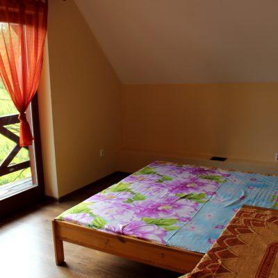 D3 - sypialnia z łóżkiem małżeńskim i rozkładaną kanapą